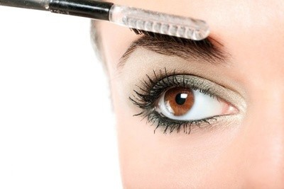 You should go with shades like maroon, blues, browns and purples. You can also choose golden and silver shades.  For more natural look, you should go with brown eyeliner, while for more dramatic look, you should chooseblack eyeliner.