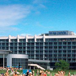 Tervise Paradiis spa-hotelli ja vesipuisto on moderni sekä mukava hotelli ja rentoutumiskeskus Pärnussa. Tervise Paradiisin omalla spa-osastolla on runsas valikoima erilaisia rentoutus- ja kylpylähoitoja. Sijainti on hyvä - Pärnun kuuluisalla rannalla. #eckeröline #terviseparadiis #viro #pärnu