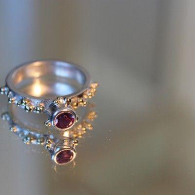 ring met gouden balletjes en alexandriet - Willu