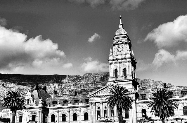 Cape Town (Photo courtesy of LandLopers.com)