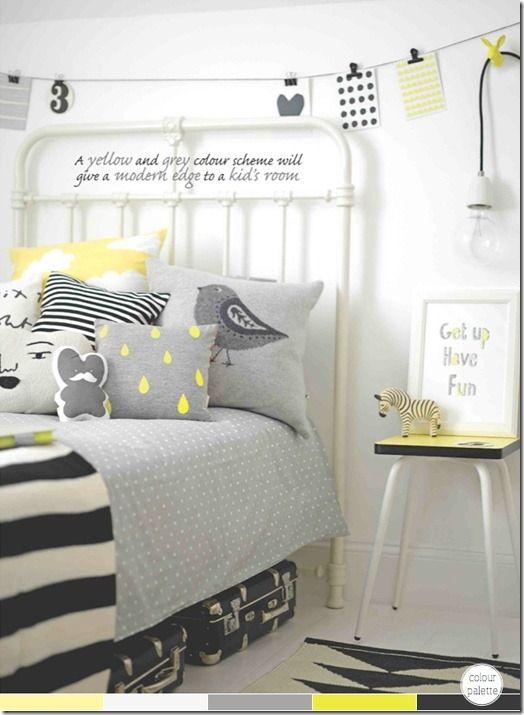 Le gris domine la pièce mais les quelques touches de jaune donnent un peu d'éclat à cette chambre, tout en préservant la douceur.