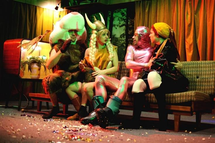 Perplex - absurdní komedie pro silné nátury, Městská divadla pražská