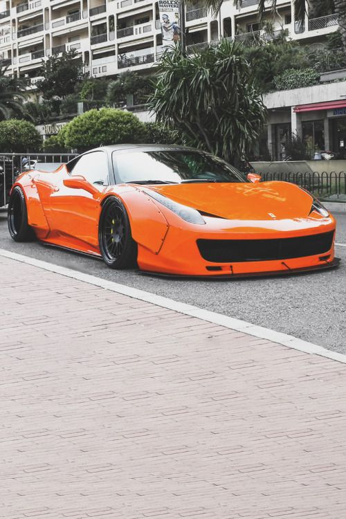 LibertyWalk Ferrari