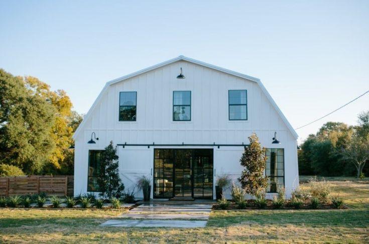 Classic prairie barndominium design