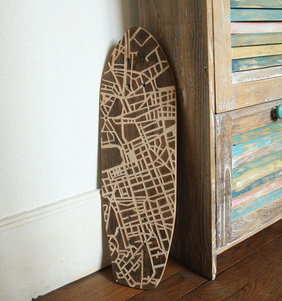 Planche skateboard gravée Marseille