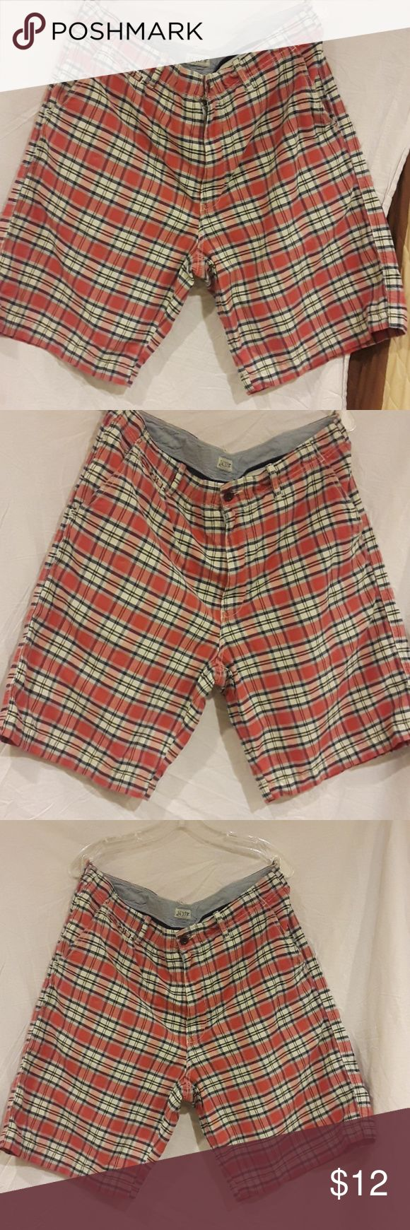 J.CREW MAN SHORT This short in VERY good condition J. Crew Shorts Flat Front
