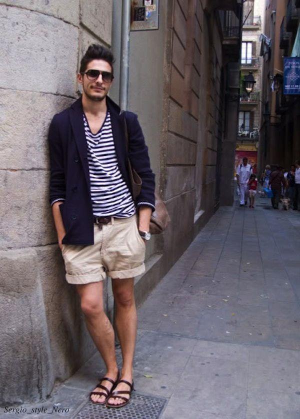 Каков гусь, а?..  Четвертый пункт про него:  4.Шлёпанцы. Согласен. В городе им не место. Но и рекомендация заменить их на сандалии убила! …Сандалеты..В городе..Nein! Даже если ты собрался идти пешком в Рим. Иначе превратишься в этого парня с картинки! (И MAXIM читать уже будет ни к чему...) . . . #мужскойгардероб #гидпостилю #мужскойлук #gentleman #стиль #мужскойстиль #мужской #стильный #галстук #костюм #nerostyle #nl #ппполдник #четверг #деньчетверга #бренд #блогостиле #помужски #костюм…