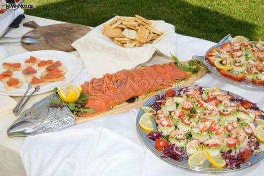 http://www.lemienozze.it/operatori-matrimonio/luoghi_per_il_ricevimento/villa-alessandri/media/foto/10 Buffet di pesce fresco per il ricevimento nuziale.