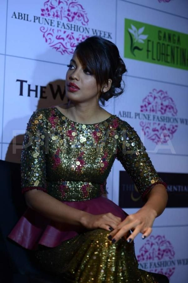 Mugdha Godse walks for Nitya Bajaj at ABIL Pune Fashion Week | PINKVILLA