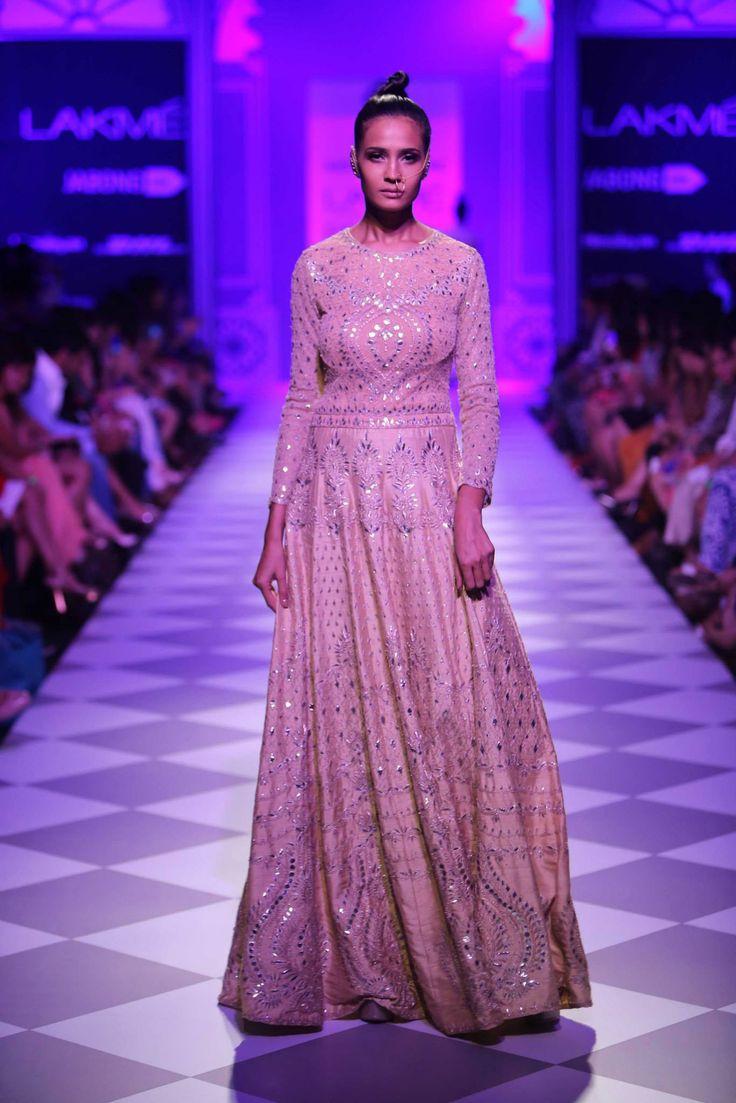 Encantador Vestido De Compromiso Para El Novio En La India Ideas ...