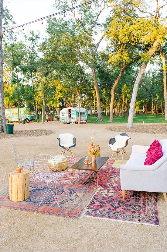 Lounge area ideas for wedding @weddingchicks