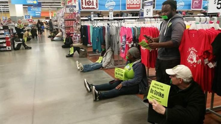 Bonyen Lee on Twitter || The 1st of the #WalmartStrikers have begun in this DC store. #BlackFriday protests.