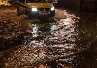 Temporal mata três pessoas no Rio de Janeiro - Notícias do Mundo