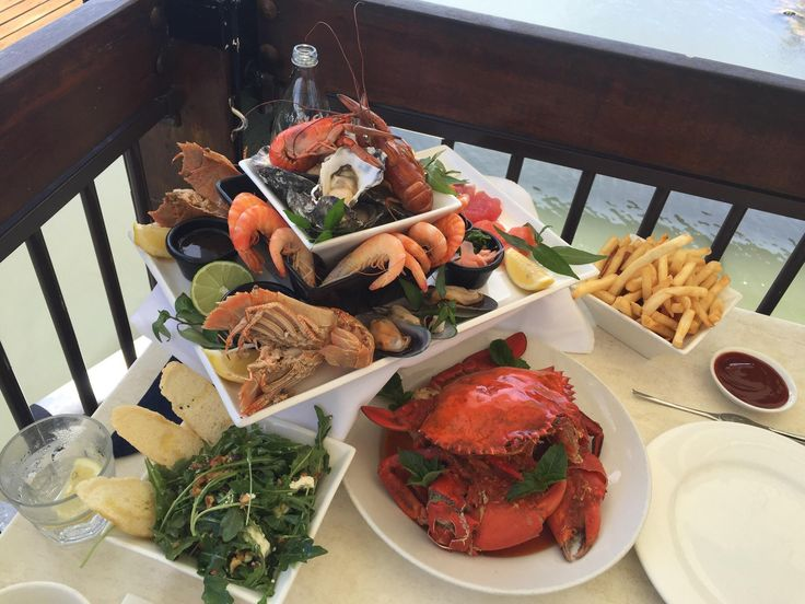 the signature chilled seafood platter, On The Inlet Seafood Restaurant, Port Douglas