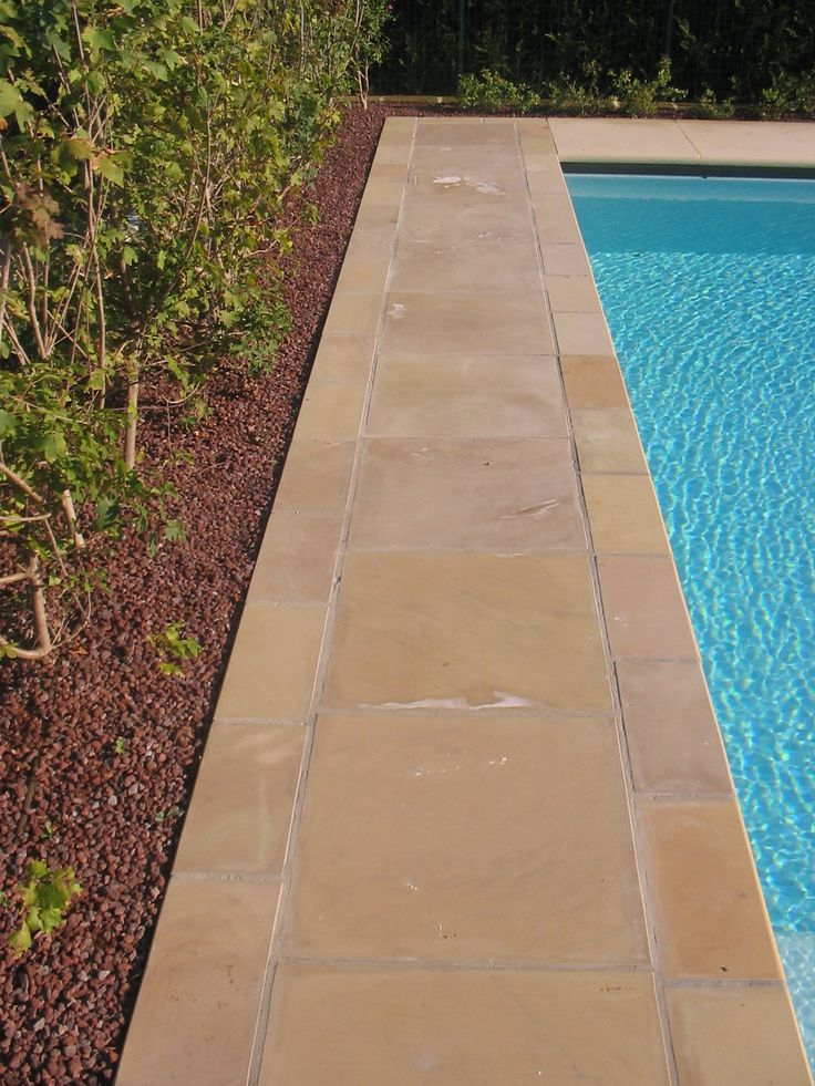 #solarium realizzato con #quarzite #lp #levigato #swimming #pool #outdoor #design #stone #flooring info@jaipurpietre.com