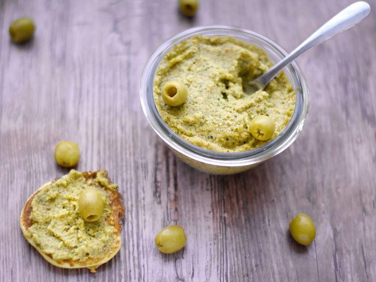 courgette, olive verte, huile d'olive, ail, sel, poivre