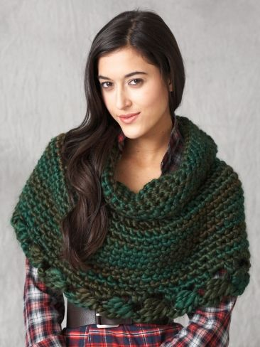Free Pattern - Crochet this cape to keep your shoulders warm and add a wardrobe accent for daytime or evening. #crochet #cape