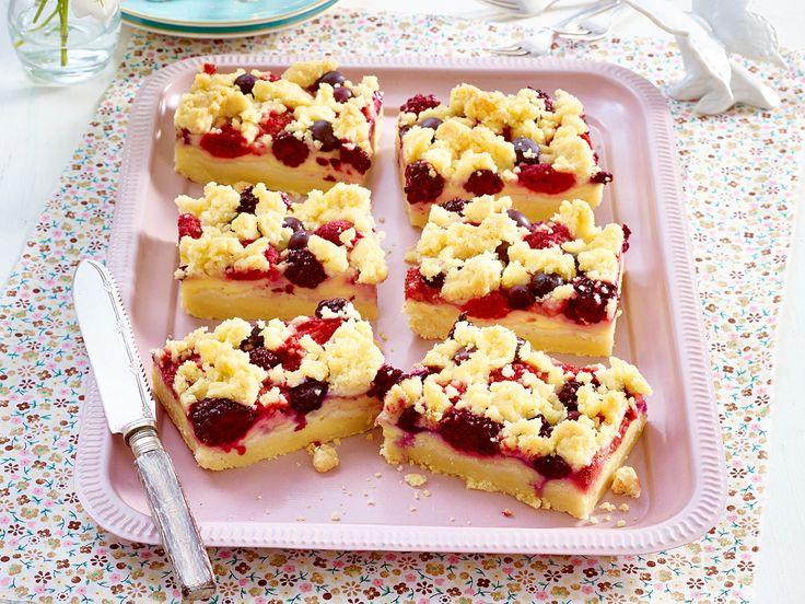 Landfrauen-Rezepte für köstliche Kuchen - streusel-pudding-schnitten-beeren  Rezept