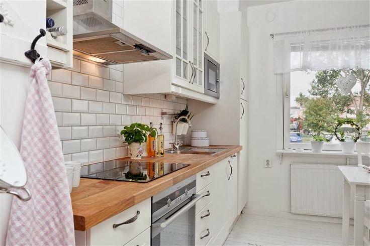 biała kuchnia w stylu skandynawskim  home inspirations   -> Funkcjonalna Kuchnia Z Salonem