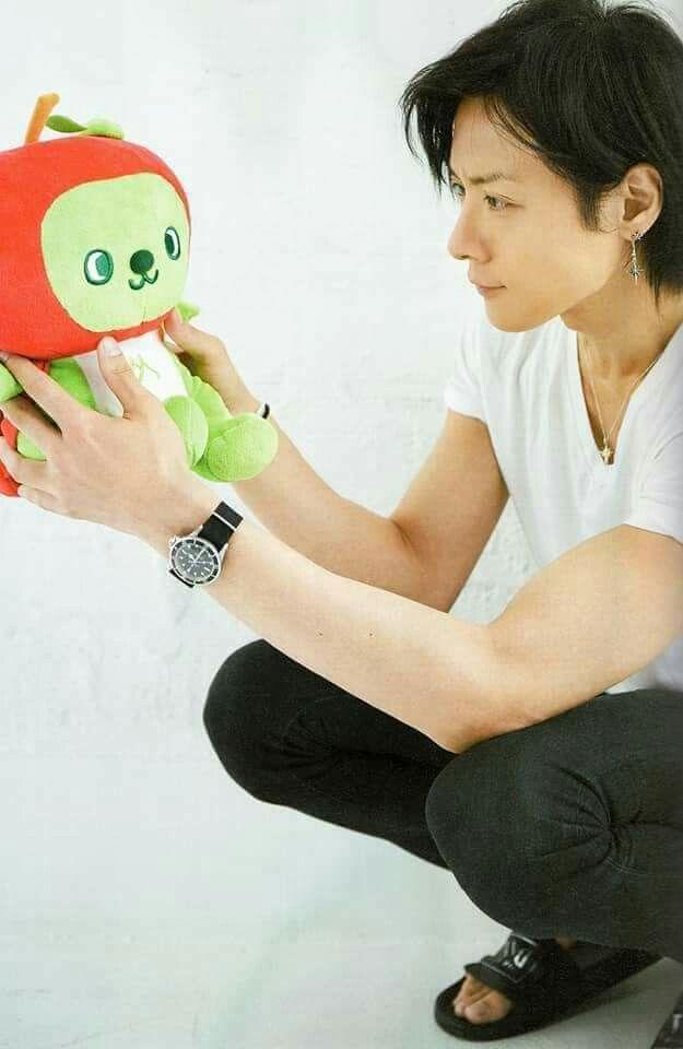 #Toshiya #DIRENGREY dis kid, is he flexing on purpose? XD