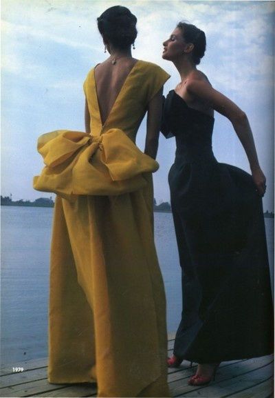 Oscar de la Renta dresses, 1979 Love the bows....still love how he starts every sketch with a bow