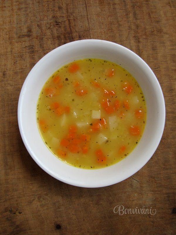 Polievka z oranžovej šošovice
