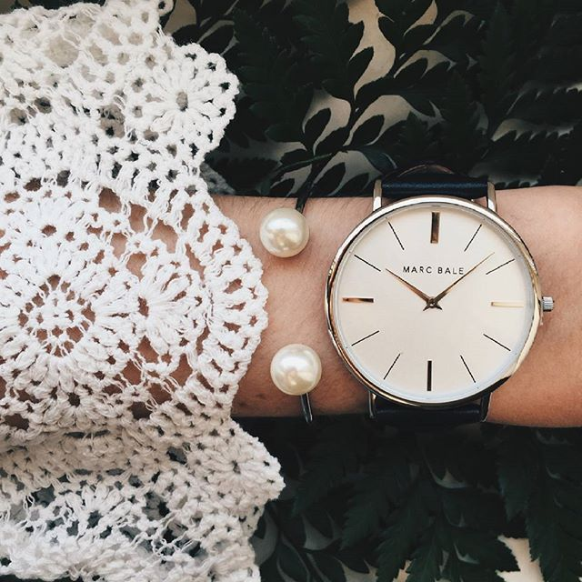 Adding a vintage twist to your Friday look! Lovely styling of our Silver Black…