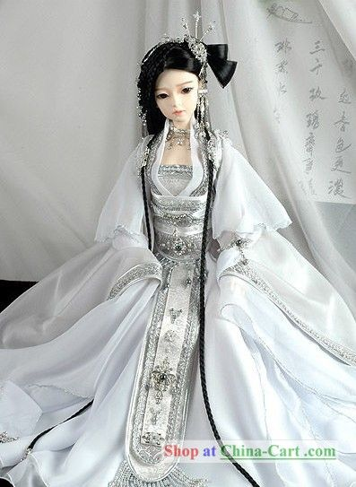 I know this is just a doll dress, but this would make an AMAZING dress for real!