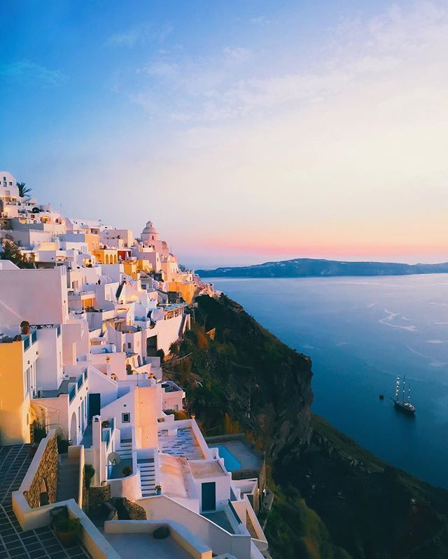 WEBSTA @ jamesrelfdyer - Santorini memories...⚓️🌅✨Which country are you from?Lemme know in the comments below, currently planning some little adventures for next month