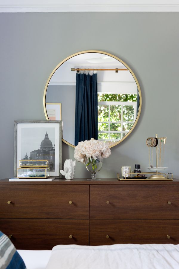 Mix of masculine and feminine features: http://www.stylemepretty.com/living/2016/09/21/crafting-a-dream-bungalow-in-venice-beach/ Photography: Amy Bartlam - http://www.amybartlam.com/