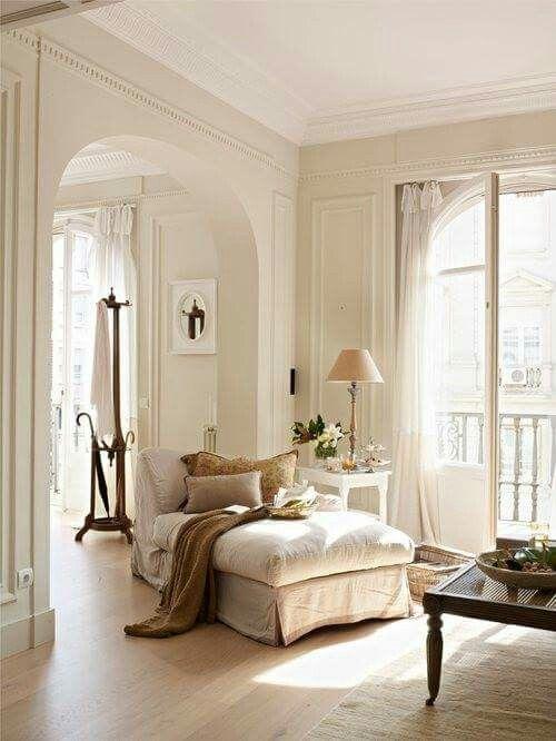 Parisian Bedroom. Parisian decor Vicki Archer https www instagram com Mer enn 25 bra ideer om  Style Bedrooms p Pinterest martinkeeis me 100 Bedroom Images Lichterloh
