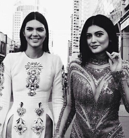 красиво, чёрно-белое, шикарно, платье, дорого, мода, девушка, Кардашян, Кендалл Дженнер, Кайли Дженнер, модель, стиль