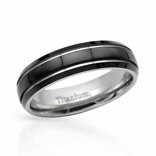 Gentlemens Titanium Band Ring Exquisite gentlemen's band ring crafted in black enamel and titanium. Total item weight 3.3g. Size 1