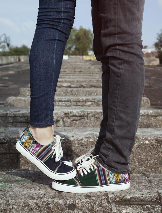 cheap for discount a0100 f3ec8 Fotos que tú y tu novio deben tomarse si tienen zapatos iguales