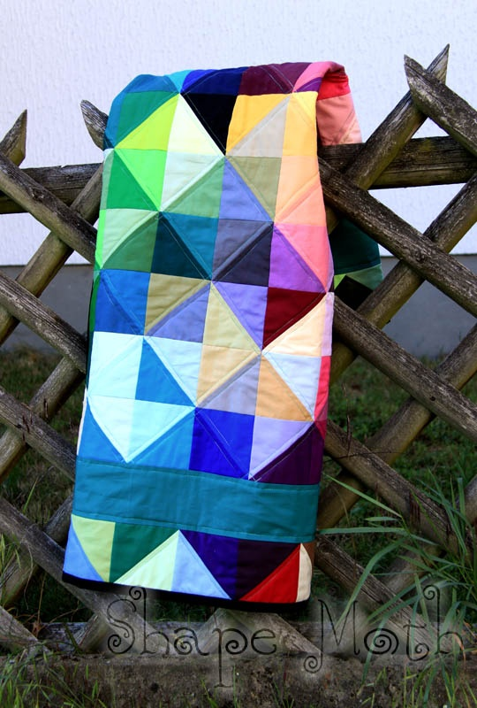 mmm: Geometric Patterns, Colors Fabrics, Quilts Colors, Bright Colour, Scrappy Quilts, Pretty Quilts, Rainbows Quilts, Bright Colors, Elegant Quilts