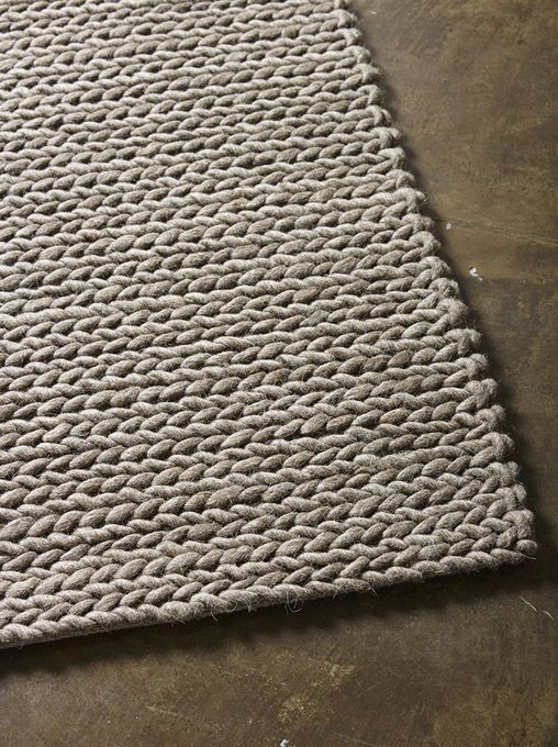 LIVING ROOM / Rope Weave in Taupe from The Rug Collection. Size: 2.5 x 3.5m.