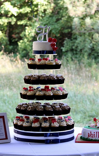 fourth of july cupcake display | 4th of July Wedding Cupcake Tower | Flickr - Photo Sharing!