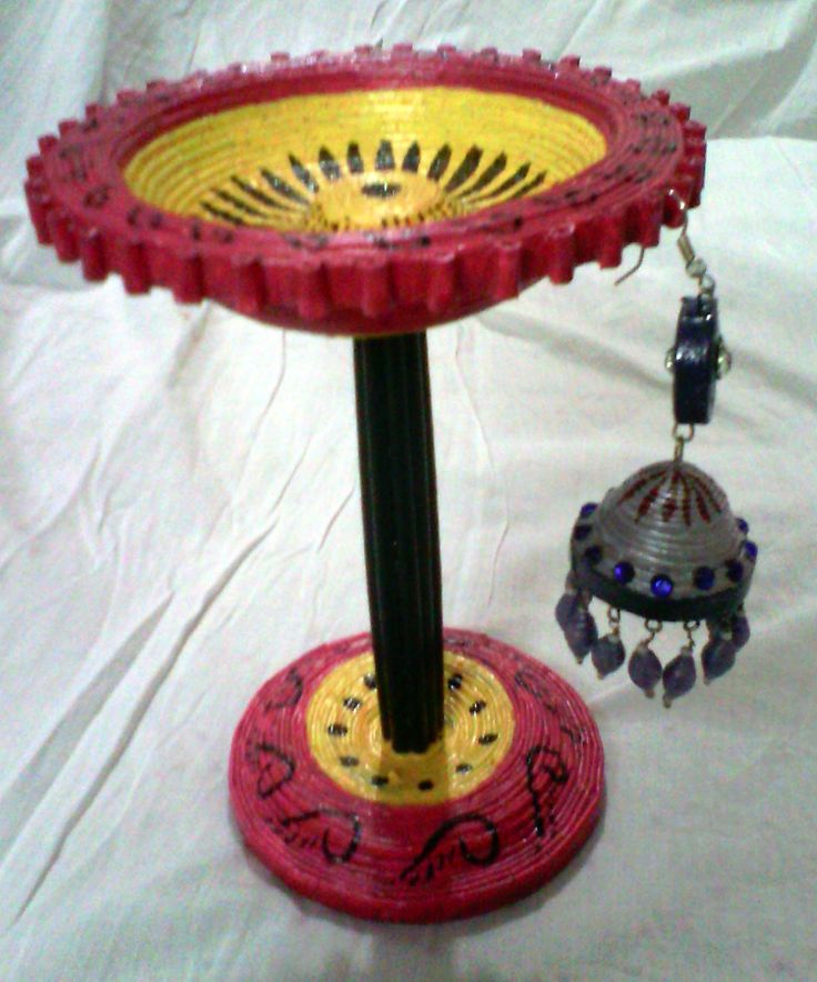 Pink and yellow Earrings stand