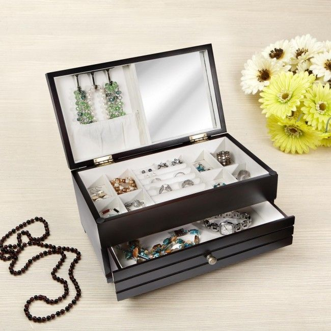 Store and organize your jewellery with a new Sarah Peyton Home Wood Jewellery Box. Individual compartments and drawer provide lots of storage for your jewellery.