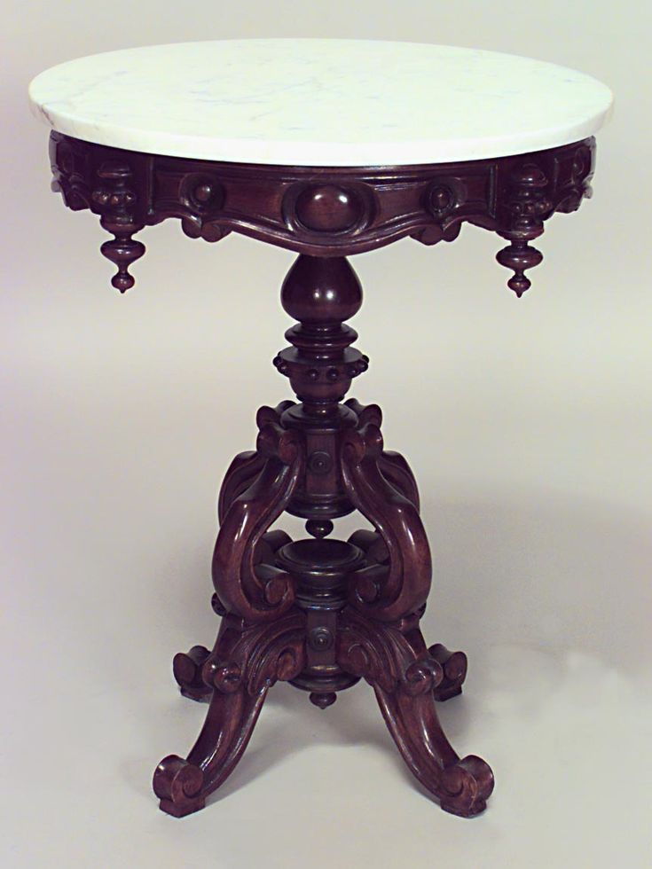 American Victorian Round Mahogany Pedestal Base Table With White Marble Top And 4 Finials On Apron