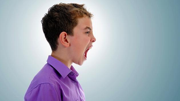 Pubertierende stehen an der Schwelle zur Erwachsenenwelt. Sie lösen sich von den Eltern und das mitunter lautstark.