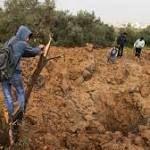 Israel Gaza: Air strikes follow bomb blast on Gaza border http://ift.tt/2ogCK2L