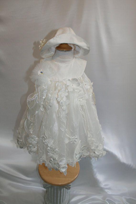2pc Vaftiz elbise Swarovski kristal süslemeli fildişi gölgede% 100 Avrupa Fransız Çiçekli Dantel ile yapılan