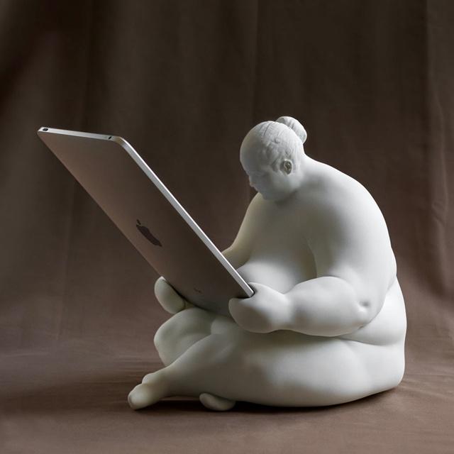 Venus of Cupertino iPad docking station.