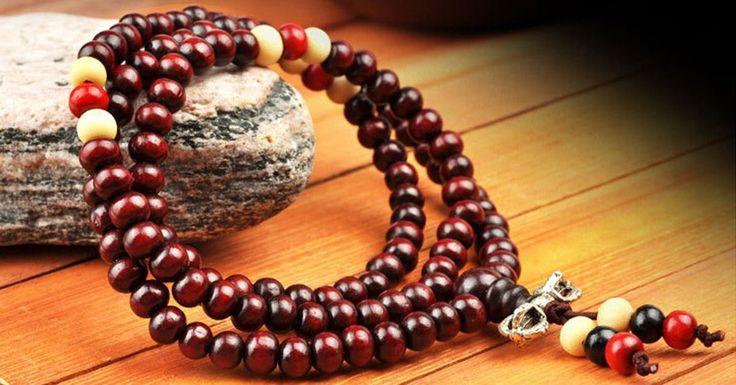 Un Japa Mala es la forma de llevar la cuenta del número de repeticiones de un mantra. Te enseñamos cómo hacer un Japa Mala para usarlo como pulsera o collar
