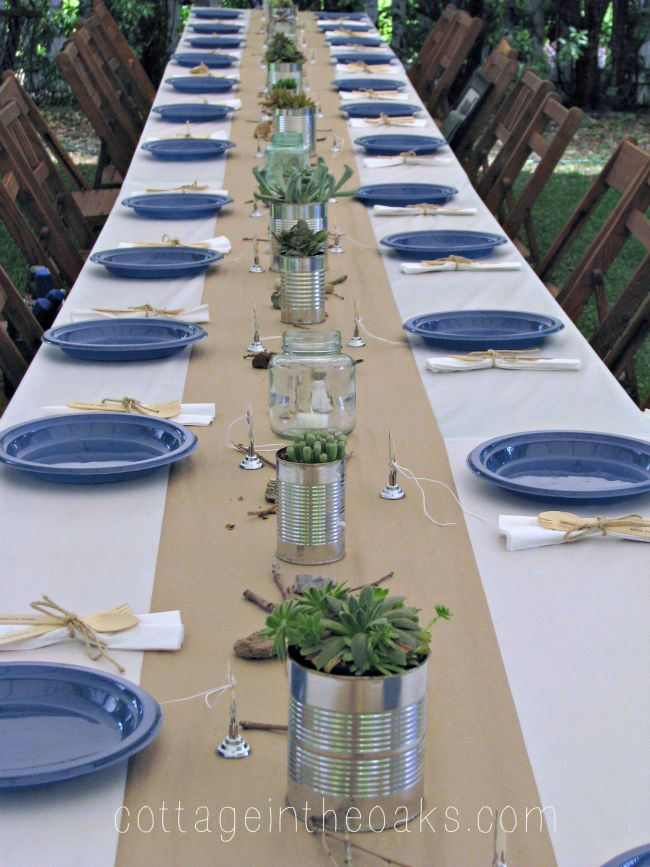 Trending at the Atlanta Market were beautifully imprinted paper placemats and runners