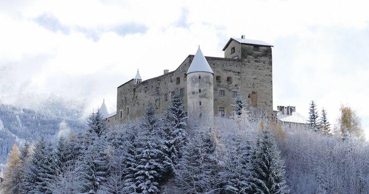 Schloss Naudersburg im Winter