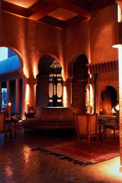 Amanjena Hotel , Marrakech, Marrocos -  Hall de entrada,espaço iluminado pelas tradicionais lanternas marroquinas.