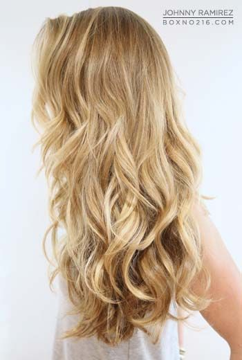 honey blonde color...I love this hair style.  My hair is already wavy/curly....I just can't get it to do this.  LOL.......WHYYYYY can't I make this work?  I don't ask for much.  I really want this.