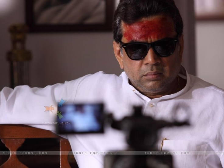 Arjun, Dacait showed his talent, Naam confirmed it where with his hyena like laugh, he just made you hate him. And then a whole lot of movies in the 80's,90's made him one of Bollywood's most memorable baddies, one and only Paresh Rawal.